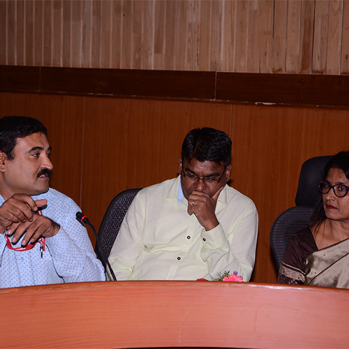 Anil sat between two panellists at Bangalore Conference